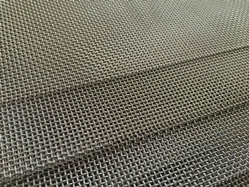 many plain weave stainless steel mesh sheet suitable for window screen